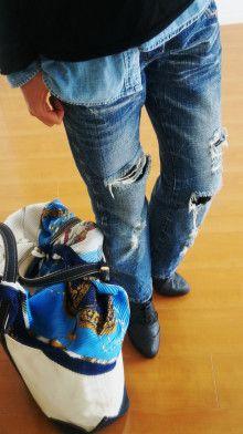 http://ameblo.jp/komatsu1108/entry-12102571879.html スカーフ巻き方 スカーフコーデ scarf arrangement エルメス カレ HERMES carres アラフォーファッション damage denim ダメージデニム トートバック L L・ Bean デニムシャツ