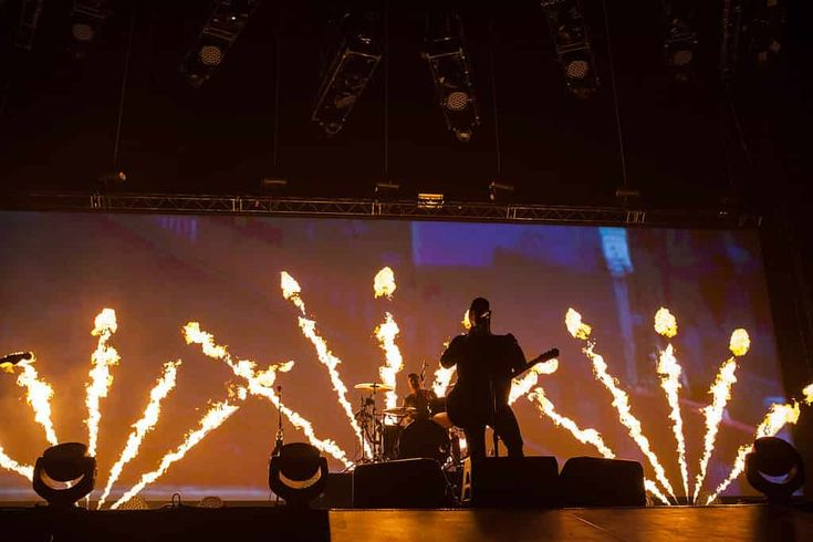 Fall Out Boy Unleashes Mania Upon the Queen City | Shutter 16 Magazine