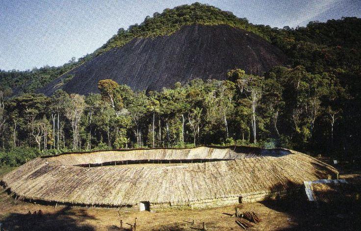 Yanomami-communal-Shabono-ArchEyes-8
