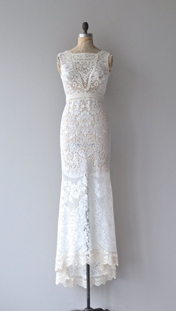 Vintage inspired lace wedding gowns the for Vintage style wedding dresses lace