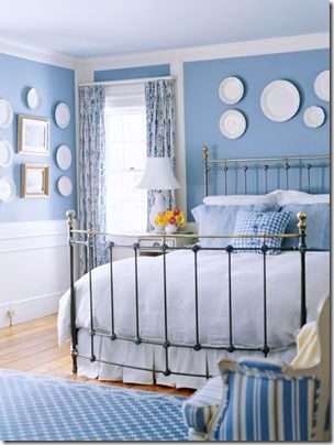 blue and white bedroom with plates. Maybe I could use my white plates with the Spode and blue willow?