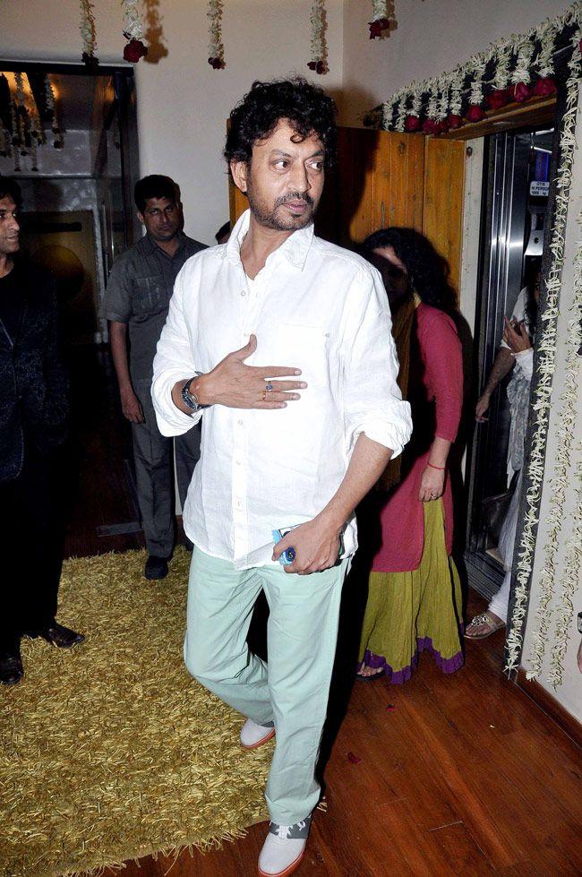 Irrfan Khan arriving at Javed Jaffrey's Eid bash. #Bollywood #Fashion #Style