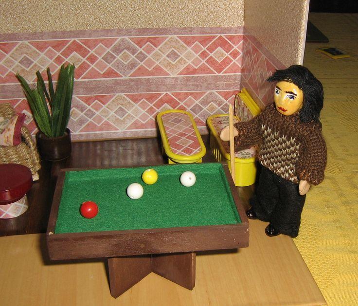 Sam like to play billiards...