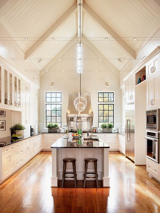 Love the high ceiling!Beautiful Kitchens, Kitchens Design, Dreams Kitchens, High Ceilings, Open Kitchens, Vaulted Ceilings, White Cabinets, Dream Kitchens, White Kitchens