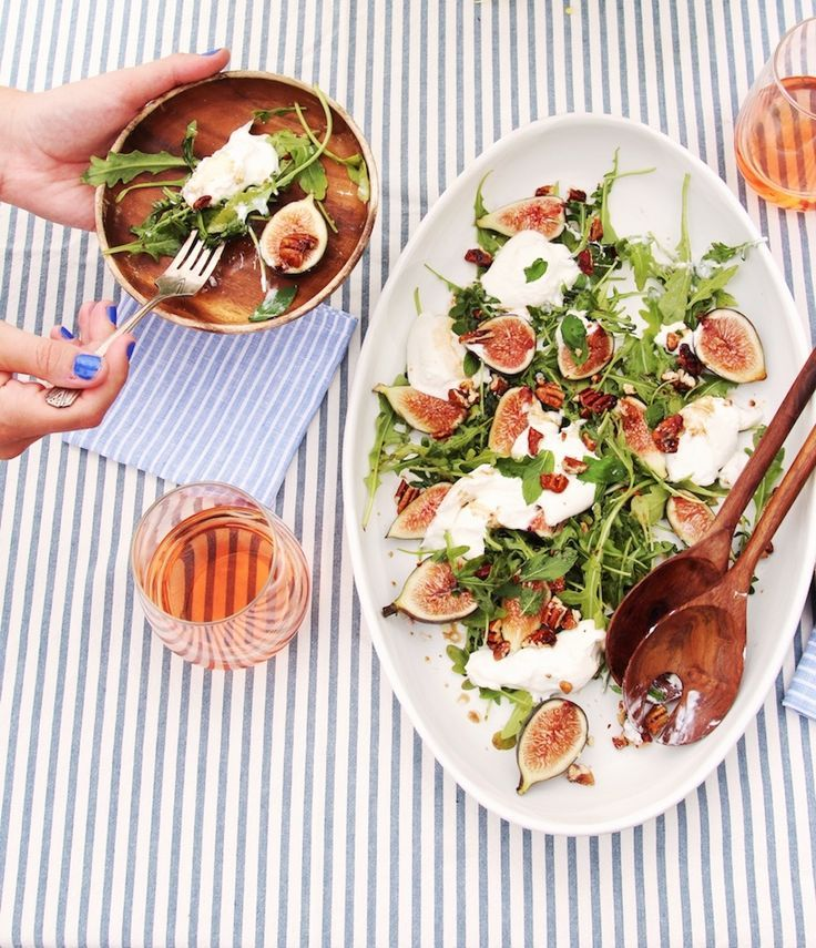 this fig & burrata salad will be your new favorite appetizer of summer! It's super easy (5 ingredients) and will impress any guest.