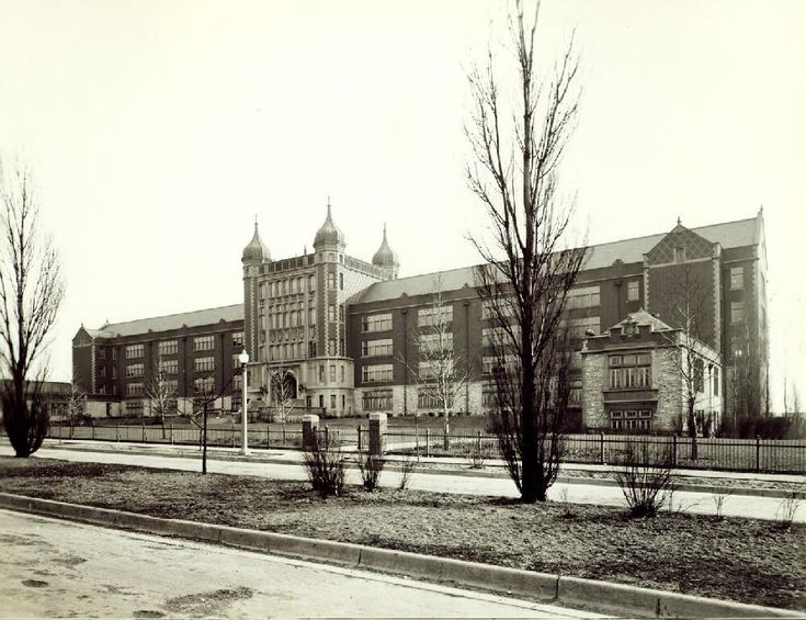 Roosevelt High School in South St. Louis, 1937. The school was built on the site of the former Old Picker Cemetery, where many of the victims of the great St. Louis cholera epidemic of 1849 had been buried. Legend says the fourth floor is haunted! Missouri History Museum #haunted #highschool