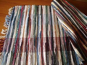 Ковровая дорожка «бабушкин коврик» . <p><strong>«Бабушкин коврик» или ковровую тканую дорожку сделать очень просто, для этого не понадобится даже швейная машинка...</strong></p> ББ59 - Новости города Березники