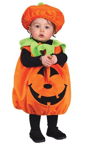 You can never go wrong with a traditional pumpkin for a first halloween and this is the cutest pumpkin costume I've ever seen! #Halloween