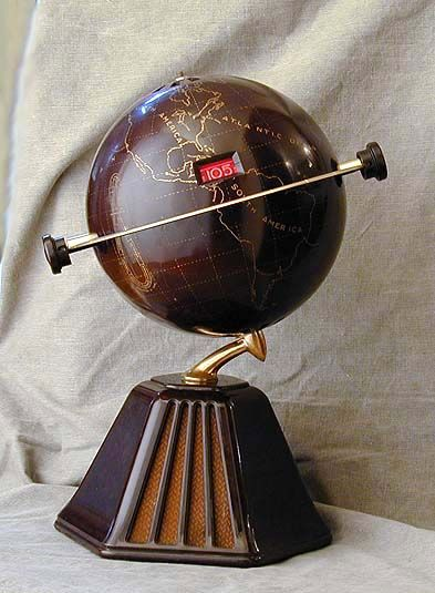 "Colonial Model 700 ""New World"" Globe Radio (1933) Bakelite"