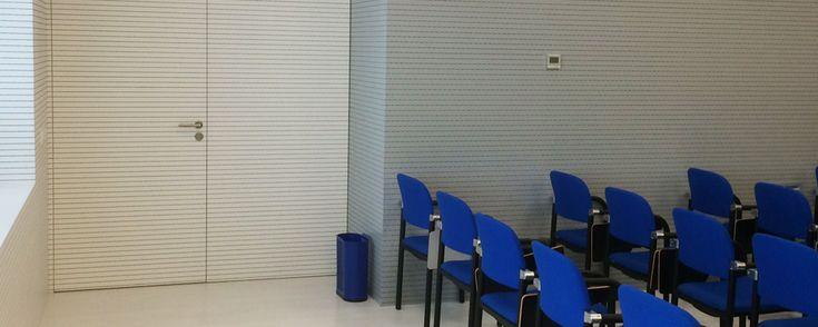 Colegio oficial de enfermería de la Rioja Acondicionamiento Acústico La Rioja acoustic conditioning La Rioja conditionnement acoustique La Rioja DETALLES DEL PROYECTO PAIS: La Rioja (España) FECHA: 2016 MARCA: Spigoacustic MODELO: 28-32-32 ACABADO: Melamina blanca 1