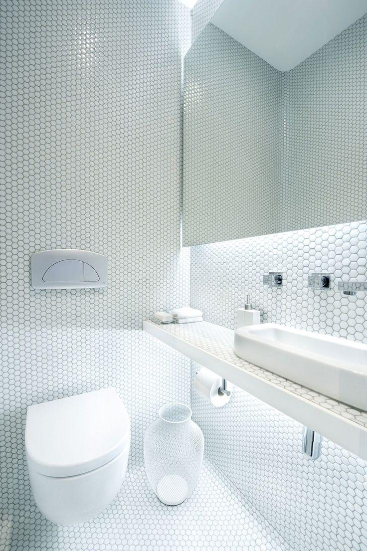 Architecture, White Wall Hexagon Mosaic Ceramic Tile Simple Minimalist  Bathroom Design Ideas: The Comfortable