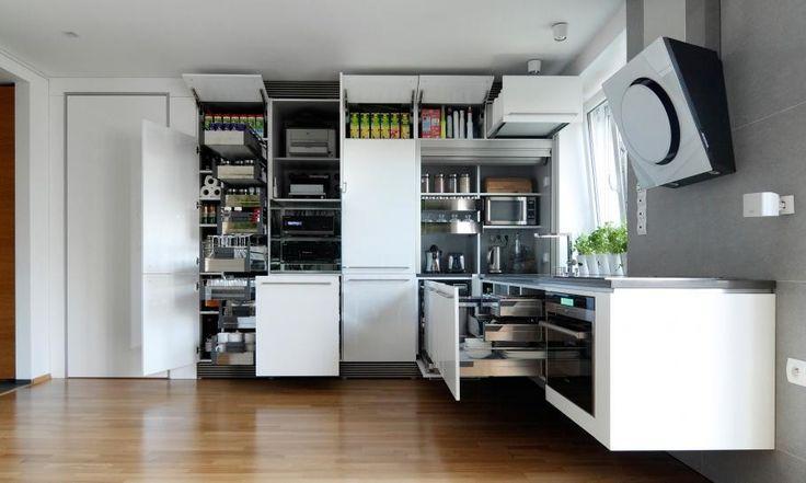 Küche-Speicher, die kleinen slowakischen Wohnung verbessert mit LED Beleuchtung von vorgestellt Rudolf Lesňák