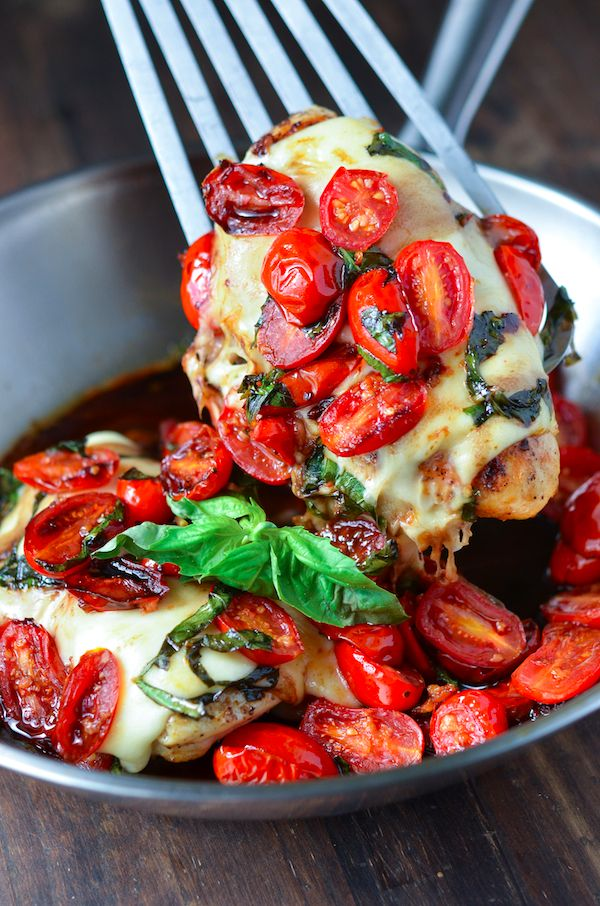Caprese Chicken....Delicious healthy dinner in under 30 minutes? Count me in! The recipe is easily divided and can be made just for two…and as long as you watch your cheese and olive oil — it's also 'ass friendly'