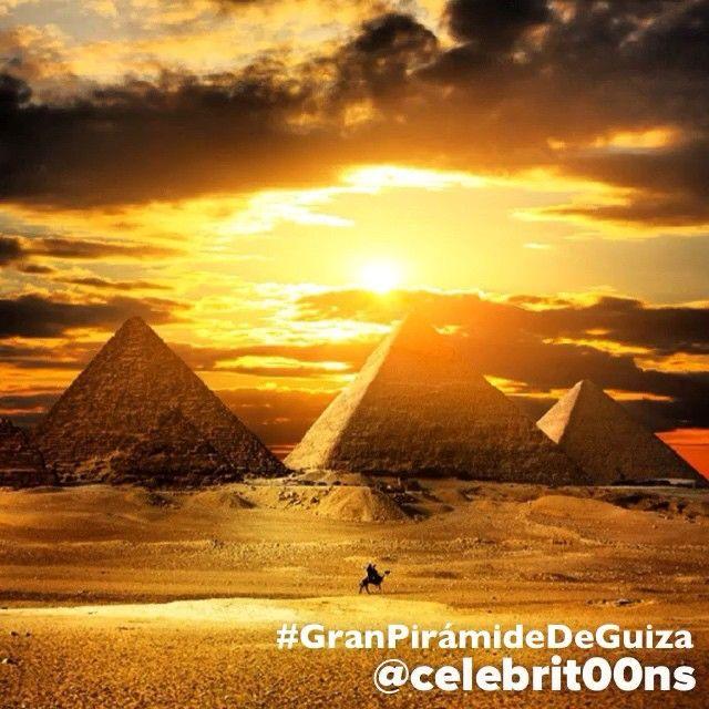 """""""La #GranPirámideDeGuiza es la más antigua de las #7MaravillasDelMundo y la única que aún perdura, además de ser la mayor de las pirámides de Egipto. Fue…"""""""