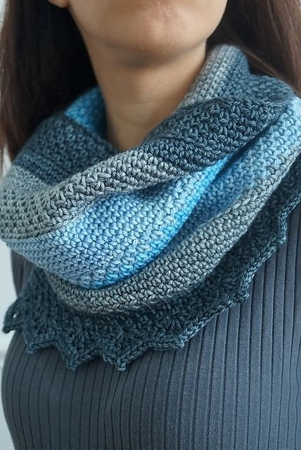 471e4b55cef Ravelry  Tempest Cowl pattern by The Firefly Hook