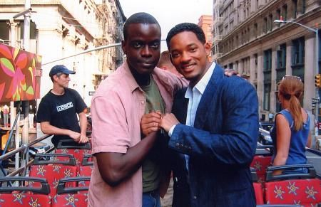 """This is a publicity photo of Will Smith and Ato Essandoh on the set of """"Last First Kiss, The (2005)."""""""
