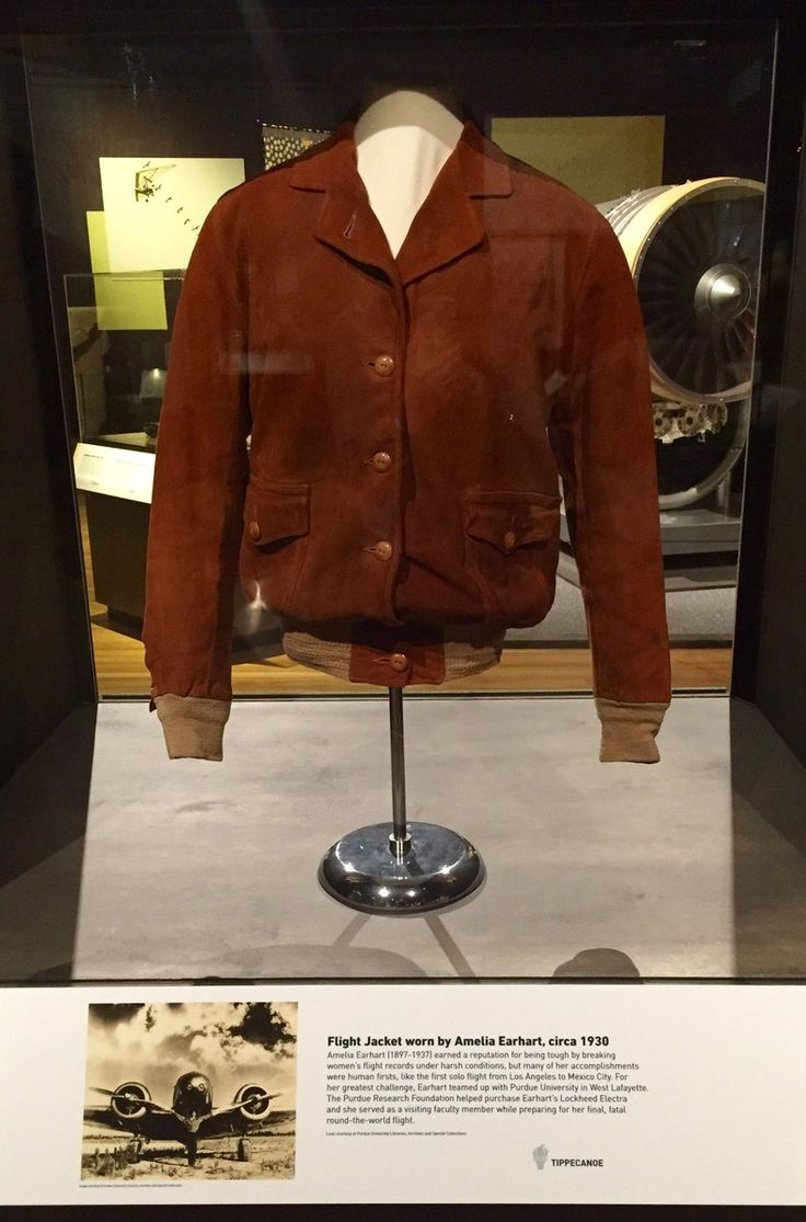 """Angie Klink on Twitter: """"Earhart jacket in 200 Objects Bicentennial exhibit @Indiana2016 #ISHM @IndianaMuseum @PurdueArchives #TheDeansBible https://t.co/dfwoOS33ZH"""""""