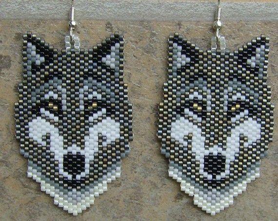 Grey Wolf Ohrringe handgefertigt Seed Perlen