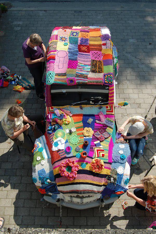 2 cv, yarn bombing