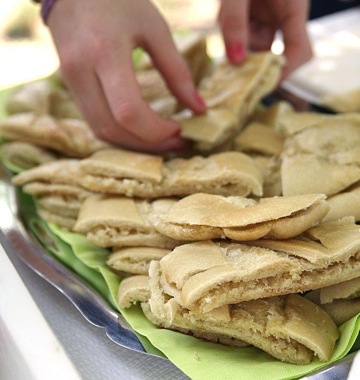 Le préfou, un pain garni au beurre d'ail, est une recette traditionnelle de Vendée à servir pour l'apéritif avec un pineau des Charentes.