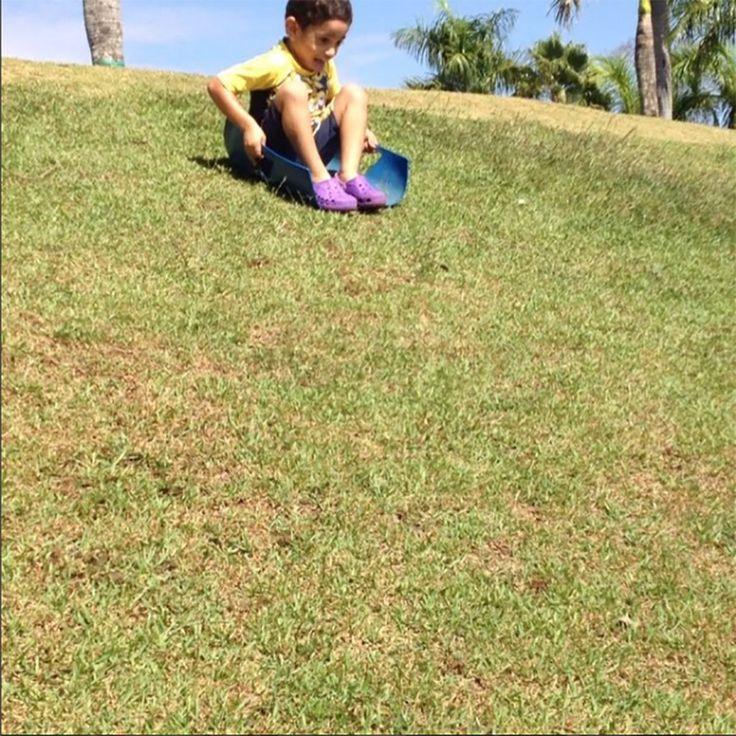As férias estão chegando que tal aproveitar essas sugestões de brincadeiras ao ar livre? As crianças vão adorar, se divertir e gastar muita energia!