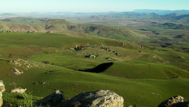 I'll be spending both nights of the inaugural 'Run the Berg' at Greenfire Lodge, deep in the quiet heart of the Northern Drakensberg. It seems the perfect spot to rest and refuel during the peak of the #CountryCyclist adventure. This picturesque swathe of the famous Amphitheatre is also the sort of spot Country Life readers tend to rave about. I asked owner Andy Dott what to expect when I get there in three weeks.
