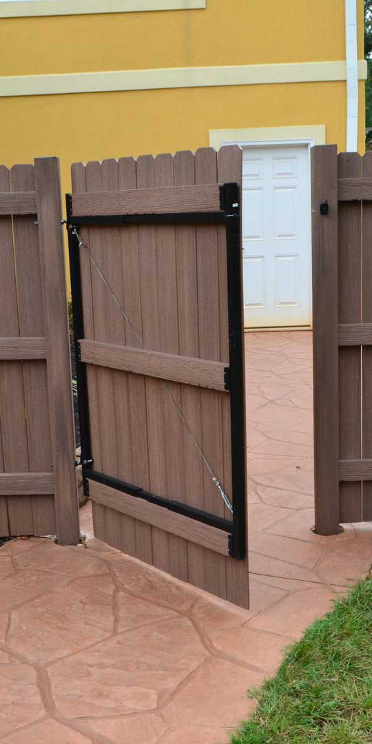 fiberon fencing looks like traditional wood fencing but performs likes a modern composite meaning