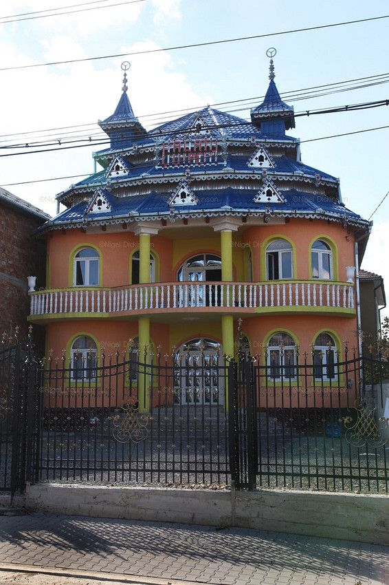 Many Romani made there living in scrap Iron, metals.  Homes were heavily decorated with metals so that it could be easily sold or recycled before moving on.
