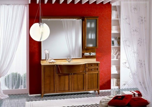 Arredo bagno classico Ideagroup - Soluzione con mobile bagno in legno scuro e ante a telaio
