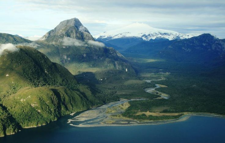 Patagonia Sur - Melimoyu: https://www.facebook.com/PatagoniaSur/photos_albums
