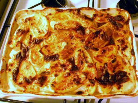 Jeroen Meus stap voor stap recept om gegratineerde aardappelen of gratin dauphinois te maken