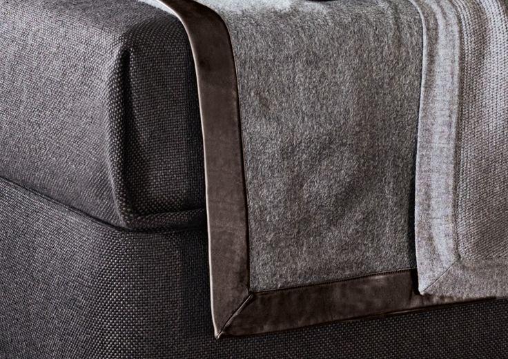 Minotti  - BEDWEAR - EN | CACHEMIRE throw with dark brown leather trim
