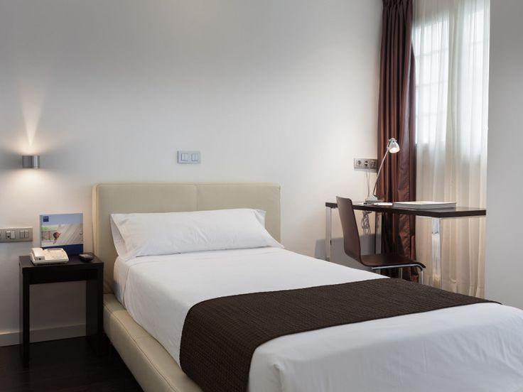 17 mejores im genes sobre hotel el naranjo en for Hoteles en sevilla con habitaciones cuadruples
