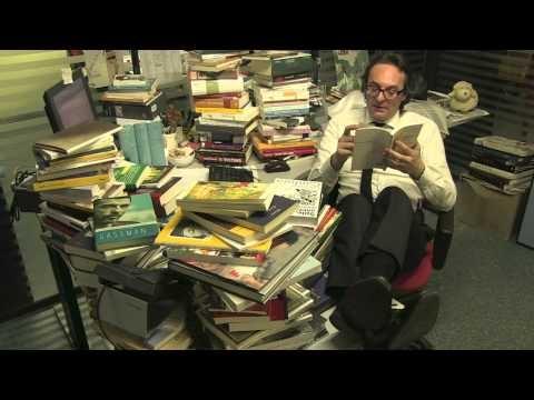 http://arealibro.com/blog/2013/01/22/scegliere-i-libri-e-unarte-collezionarli-una-follia/