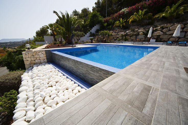 Espectacular #proyecto de #arquitectura realizado en la #CostaBlanca con #cerámica #Keraben #Tiles #Fliesen #Terrace #Outdoor #Pool