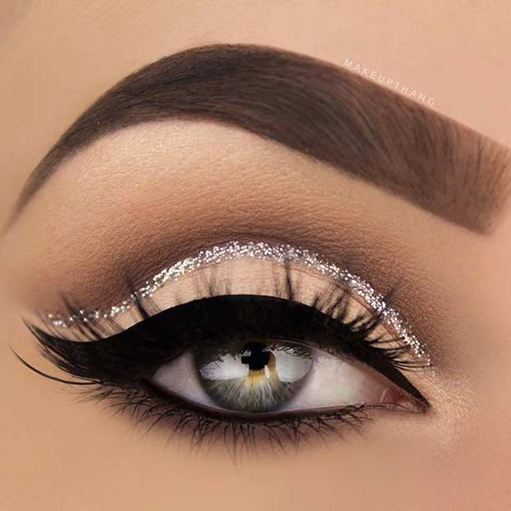 Silver Glitter Cut Crease Eye Makeup Look for New Years Eve: