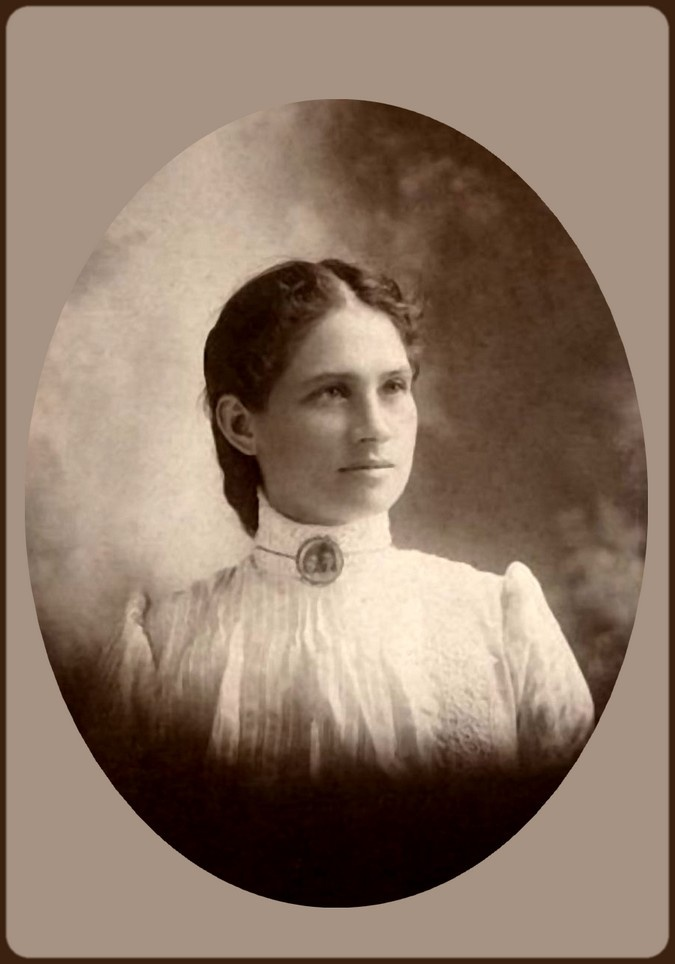 Beautiful Portrait of Annie Oakley. Annie was blessed by the fact that as she grew older she became even more beautiful!