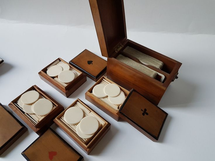 Vintage Poker set Mahogany box and tray Poker Chips set Old Poker Chips Original Wooden box, Bridge card game set, Game night, Poker night by OldenPuddles on Etsy