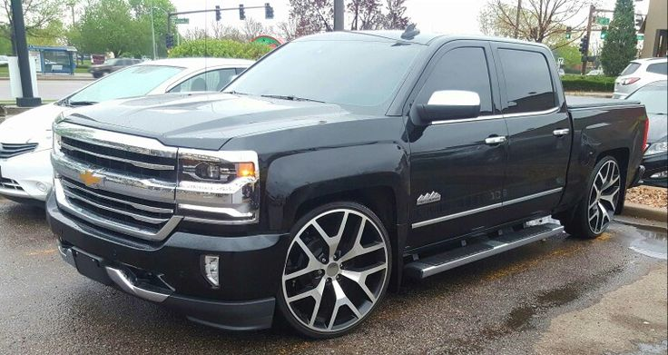 Avalanche On 28s >> 2016 Silverado High Country lowered 26 Inch replica wheels | trucks | Pinterest | 2016 silverado ...
