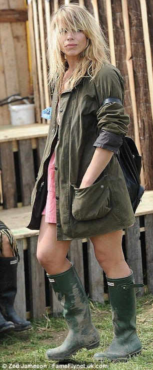 Billie Piper set the fashion standards for the Glastonbury festival