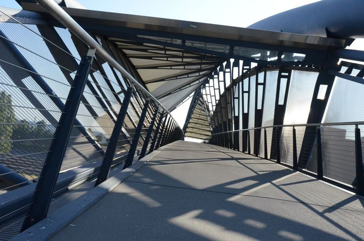 34 best images about pedestrian bridges on pinterest for Design bridge singapore