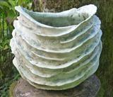 Layered Garden Vessel von Pauline Lee, Ceramics   – Cerâmicas