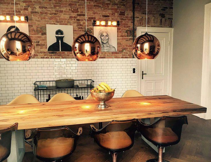 die besten 17 ideen zu altholz tische auf pinterest restaurierte holzm bel palettentische und. Black Bedroom Furniture Sets. Home Design Ideas