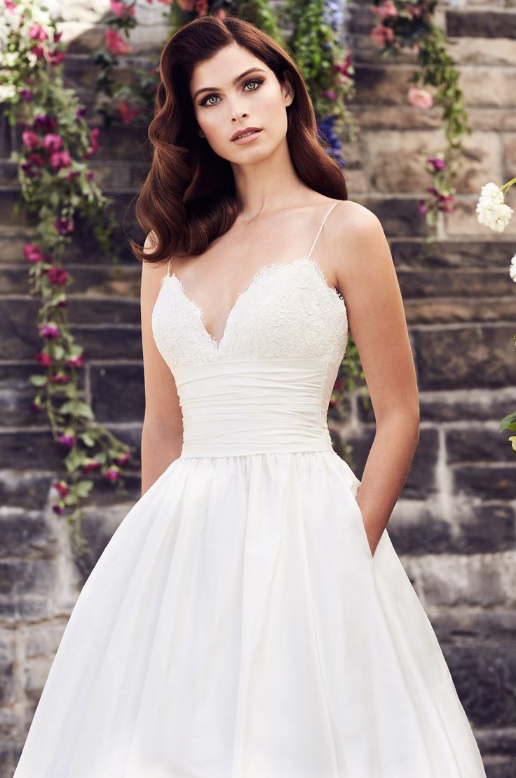 Best 25 wedding dress with pockets ideas on pinterest for Spaghetti strap wedding dress with pockets
