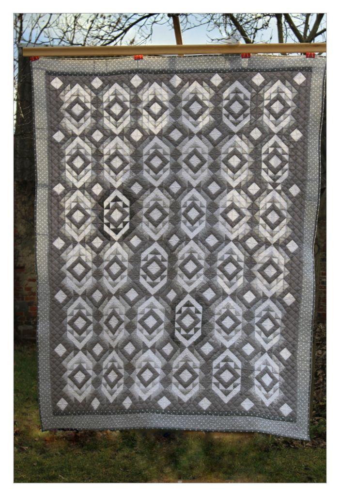 patchwork, quilt, narzuta patchworkowa, odcienie szarości