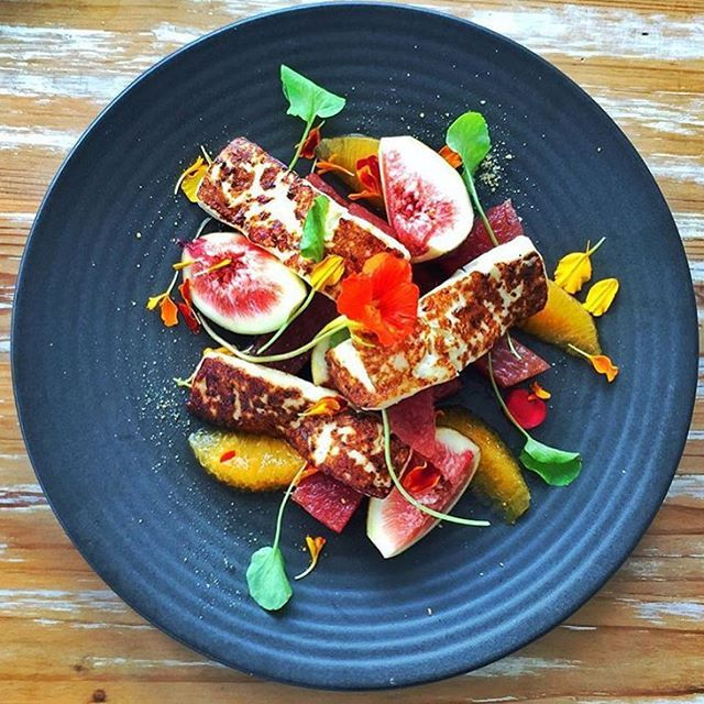 Yum! This Noosa Boathouse Cedar Street haloumi salad looks like absolute lunchtime perfect!
