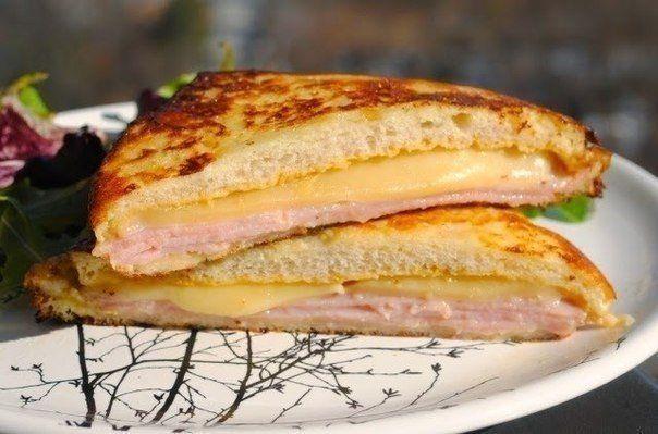 """СЭНДВИЧ """"МОНТЕ - КРИСТО"""" Самый быстрый и вкусный ЗАВТРАК 🍴  Ингредиенты (на 2 сэндвича):  Мягкий тостовый хлеб — 4 ломтика  Горчица — 2 ч. л.  Майонез [Можно использовать только горчицу или только майонез, по вкусу] — 2 ч. л.  Большие тонкие ломтика нарезки (ветчина, нарезка из грудки индейки, или и того, и другого) — 4 ломтика  Сыр средней твердости — 2 ломтика  Яйца — 1 шт. Молоко — 2 ст. л.  Щепотка соли Сливочное масло — 2 ст. л.  Приготовление:  1. Все 4 ломтика хлеба смазываем или…"""
