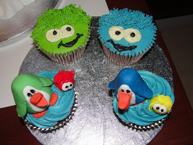 Club Penguin and Puffle Cupcakes by Ange's Cakes (Peterborough), via Flickr