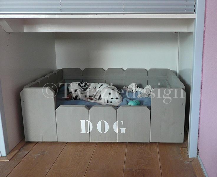 Steigerhout hondenmand DOG