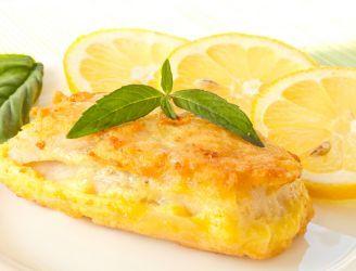 Smażone filety rybne w panierce z bazyliowo-cytrynowym majonezem
